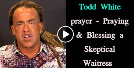 Todd White - Praying & Blessing a Skeptical Waitress (February-16-2019)